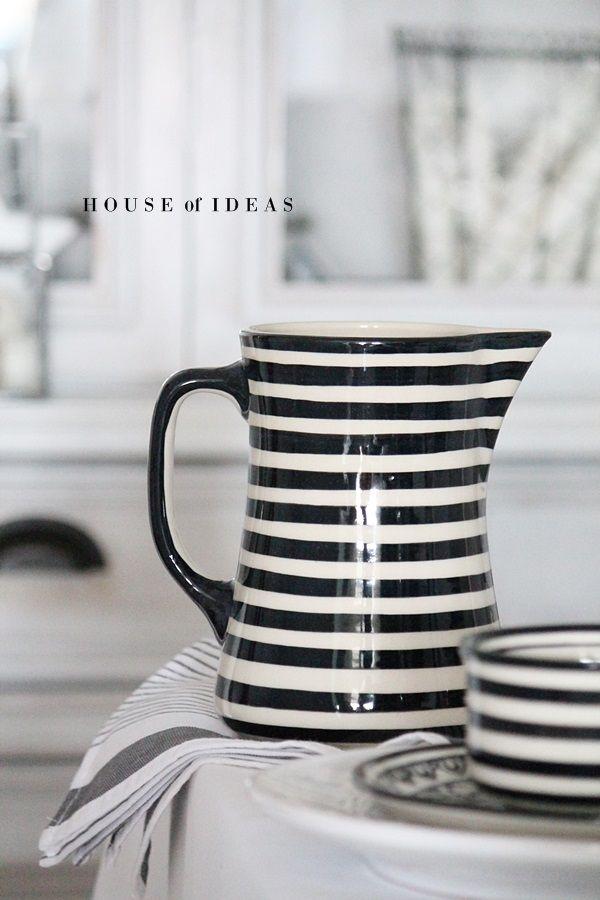 Pitcher Polish pottery HOUSE of IDEAS http://www.houseofideas.de/epages/63830914.sf/de_DE/?ObjectPath=/Shops/63830914/Products/%22100s/18%22
