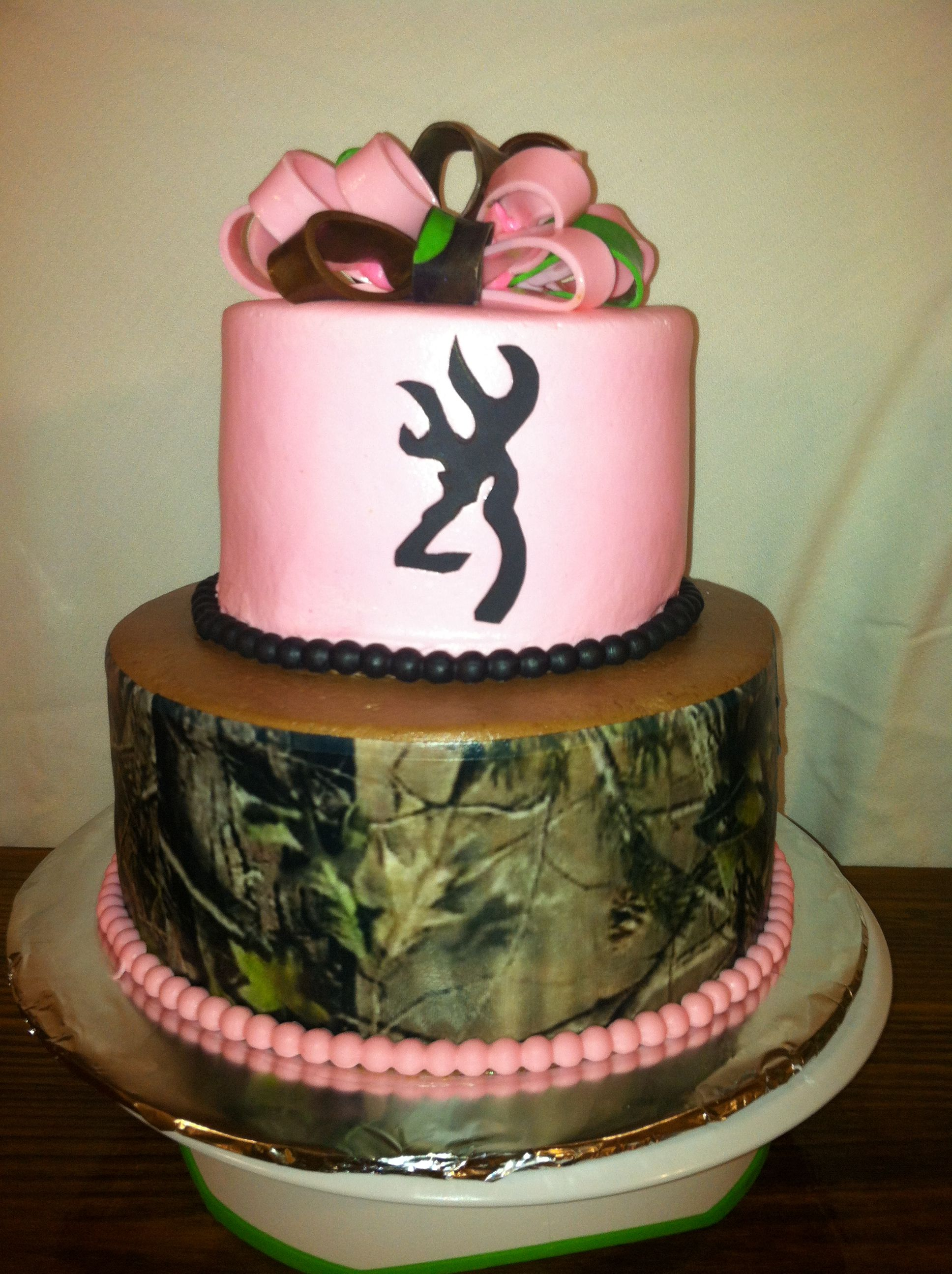 Pink Camo Cake With Images Camo Wedding Cakes Camouflage