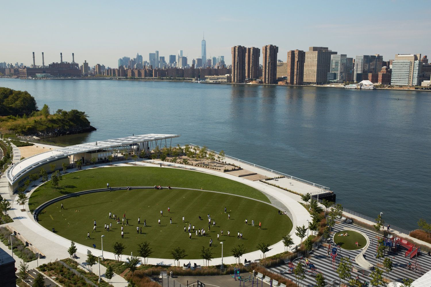 Overhead View Of Hunter S Point South Park In Long Island City Waterfront Long Island City Wonderful Places