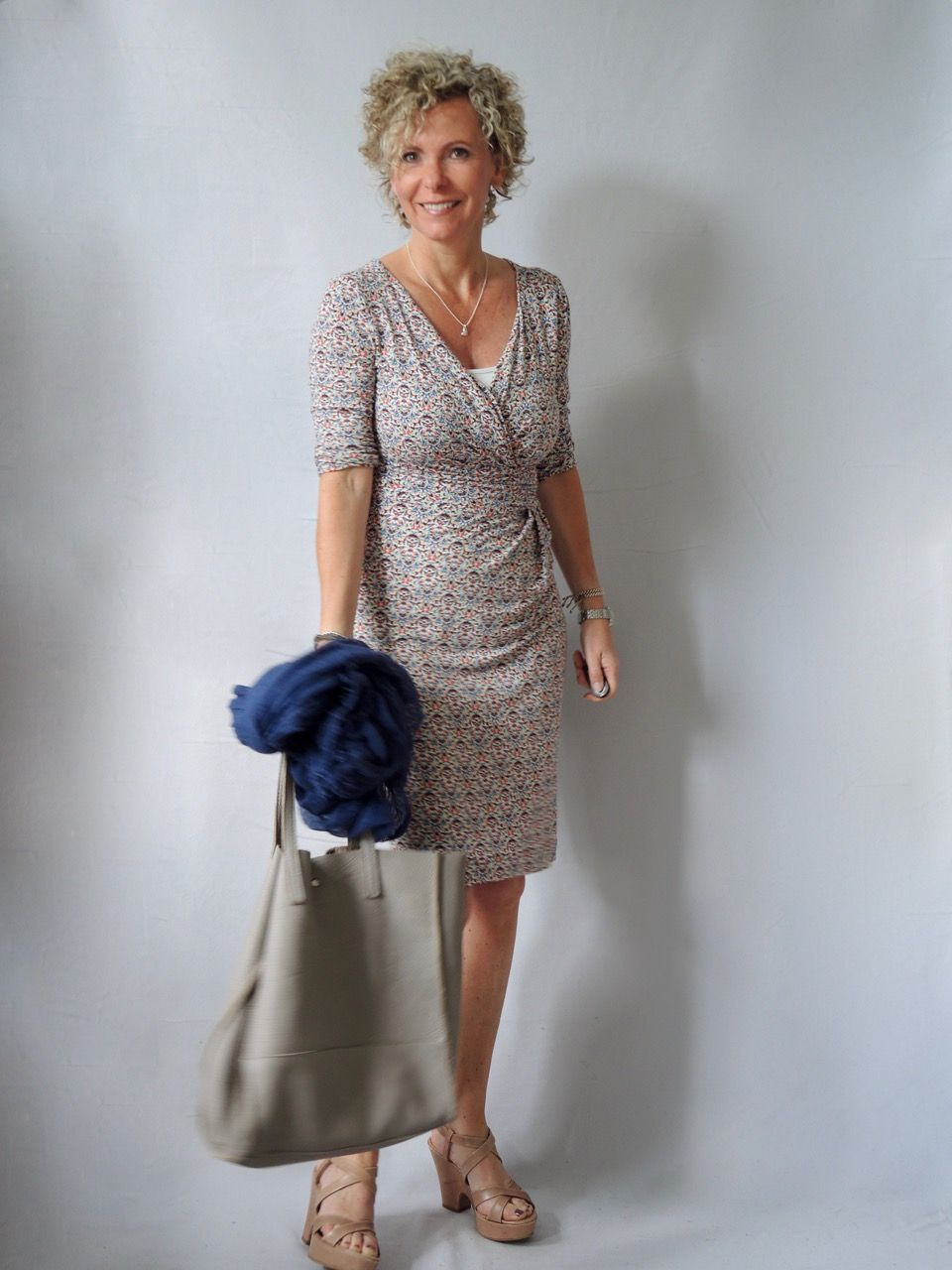 So Kleidsam Ist Das Kleid Women2style Kleider Fur Frauen Outfit Mode Outfits
