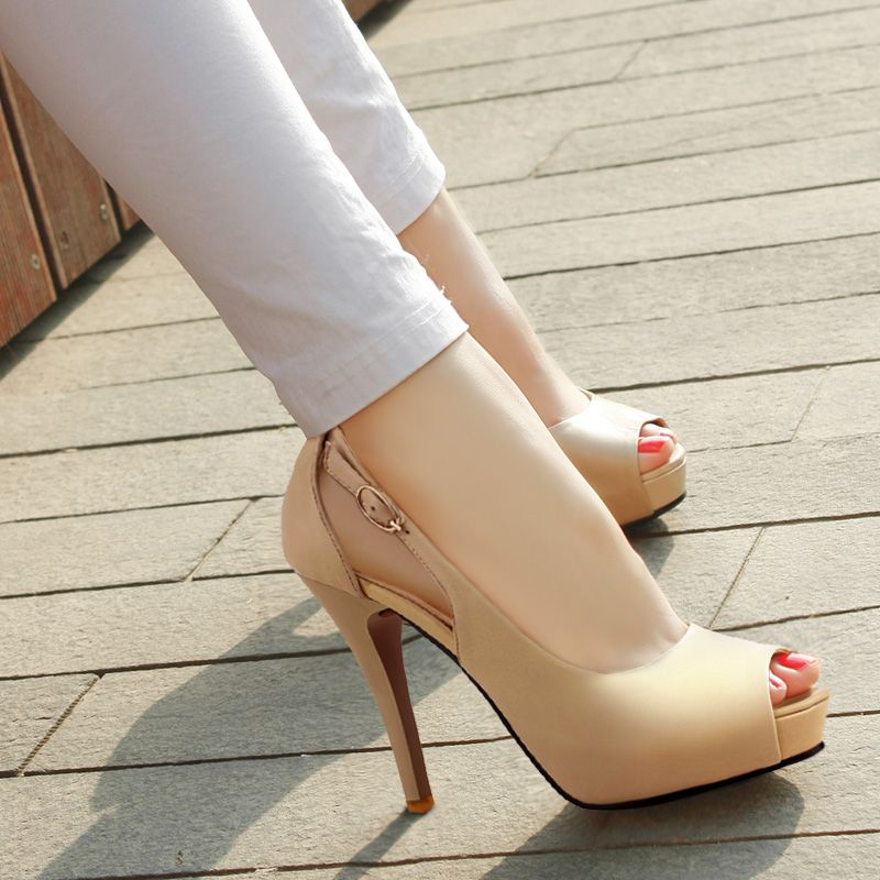 1000  images about high heels of all colors on Pinterest