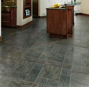 Kitchen flooring ideas remodeling an apartment for Laminate floor coverings for kitchens