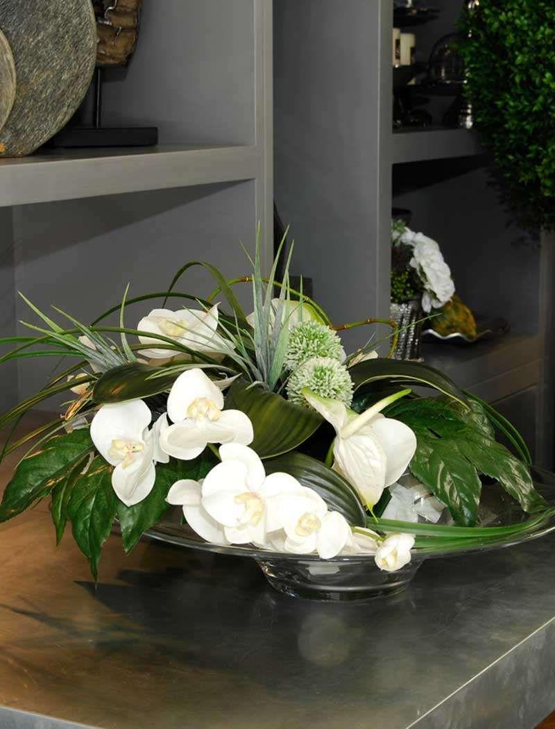 Orchids And Allium On A Glass Platter Rtfact Artificial Silk Flowers Lovely But Real Is Better Bloemstukken
