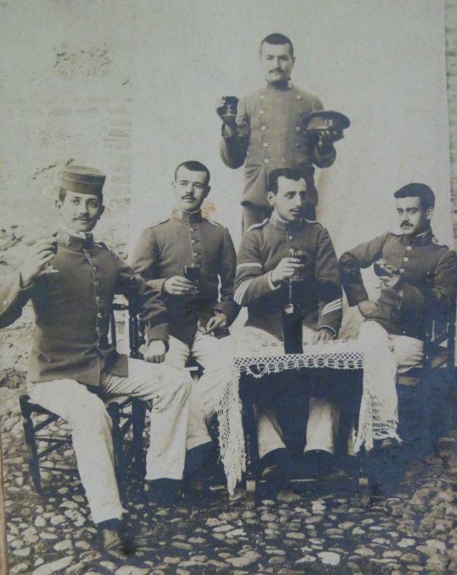 Pin de Павел en Фото | Caballeria, Soldados, Regimiento