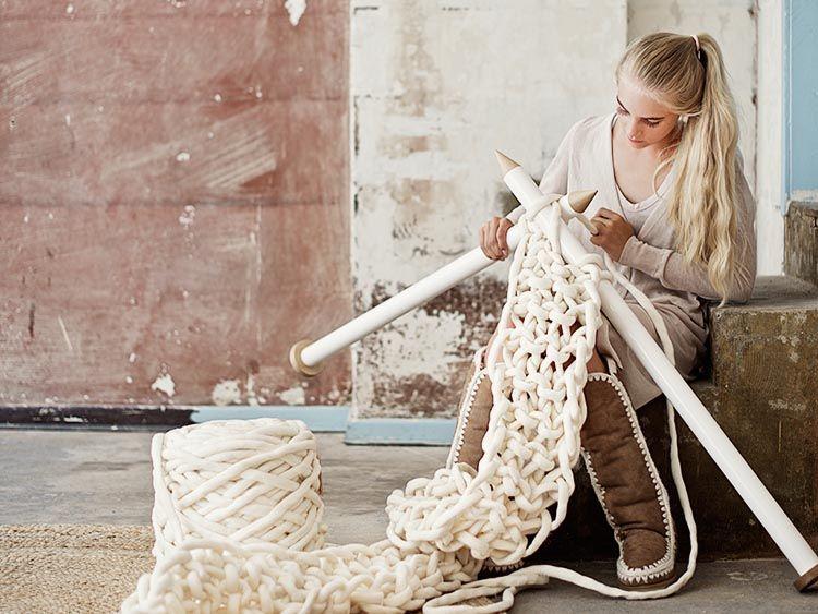 Tutorial fai da te: Come realizzare una sciarpa XXL a maglia via DaWanda.com
