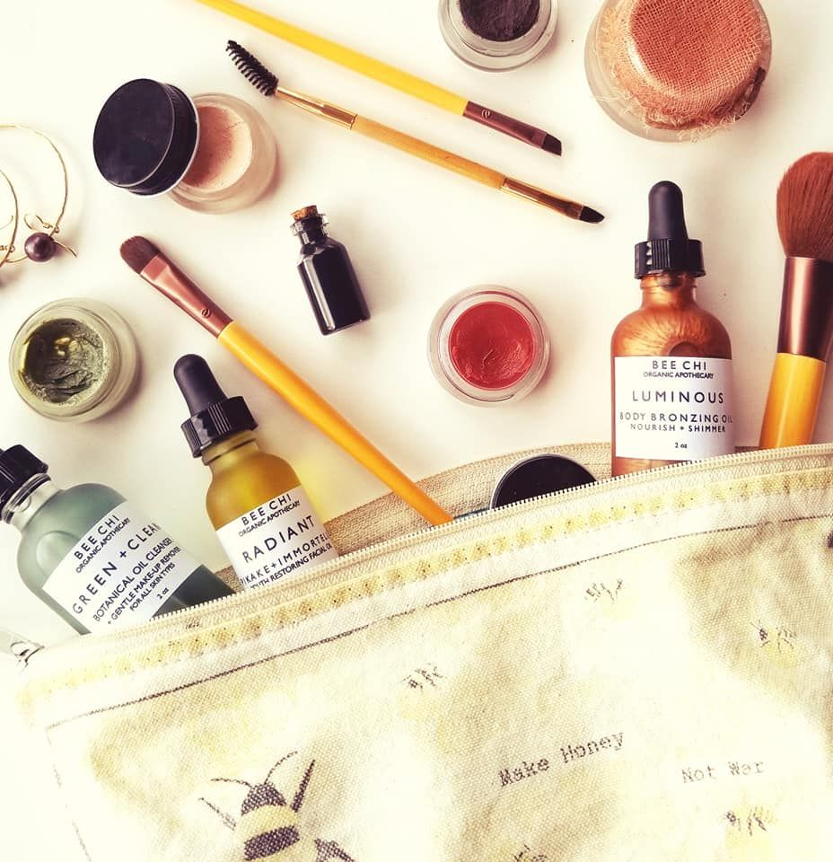 We create organic cosmetics that are 100% natural, cruelty