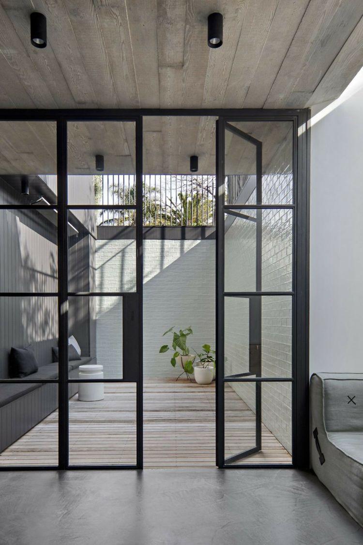 Schwarzer Stahl holzvertäfelung decke schwarzer stahl glas tür veranda dreams