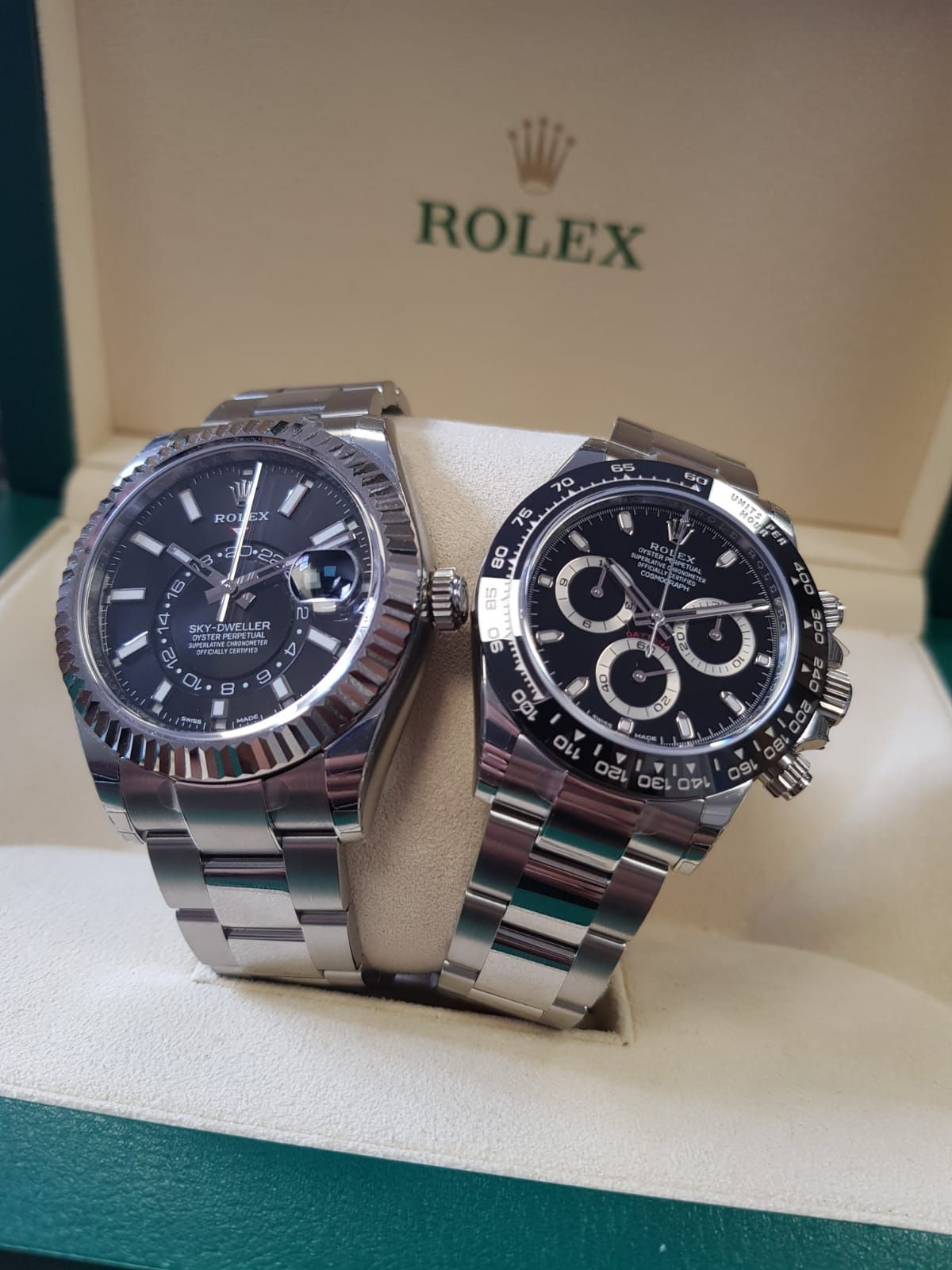 de6cb717a45 Sky or Land  Sky-Dweller or Daytona  Tell us your favourite ...