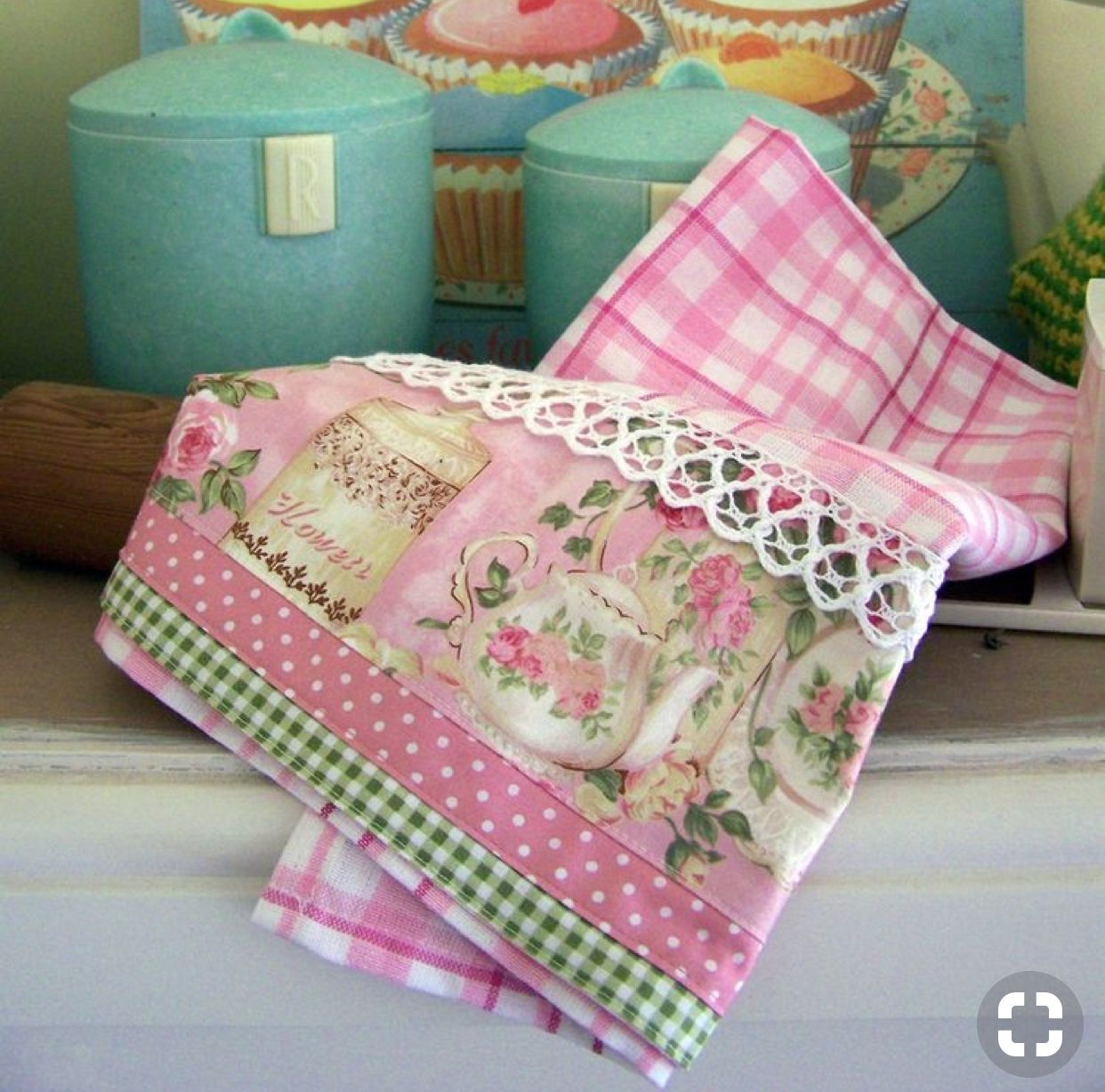 Pin By Leila Eufrazio On Kitchen Towels Decorative Towels Vintage Linens Shabby Chic Crafts