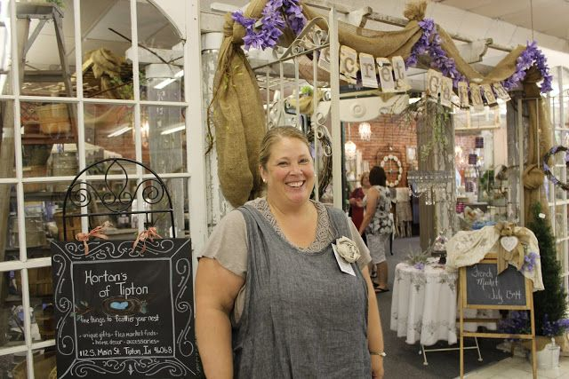 Rebecca Ersfeld: Horton's French Market 2012-draping burlap garland idea
