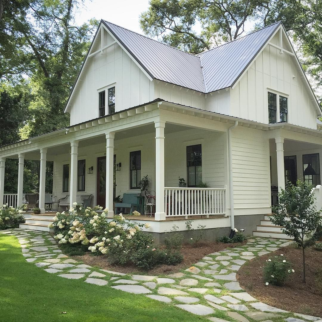 Farmhouse for four home sweet home houses pinterest for Farmhouse front porch pictures