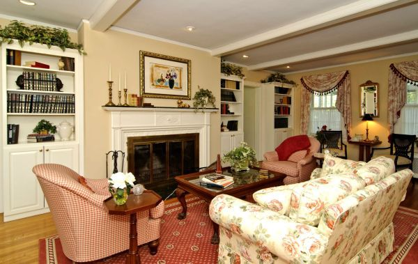 Living Room Inside The Amityville House Damn I Just Love It