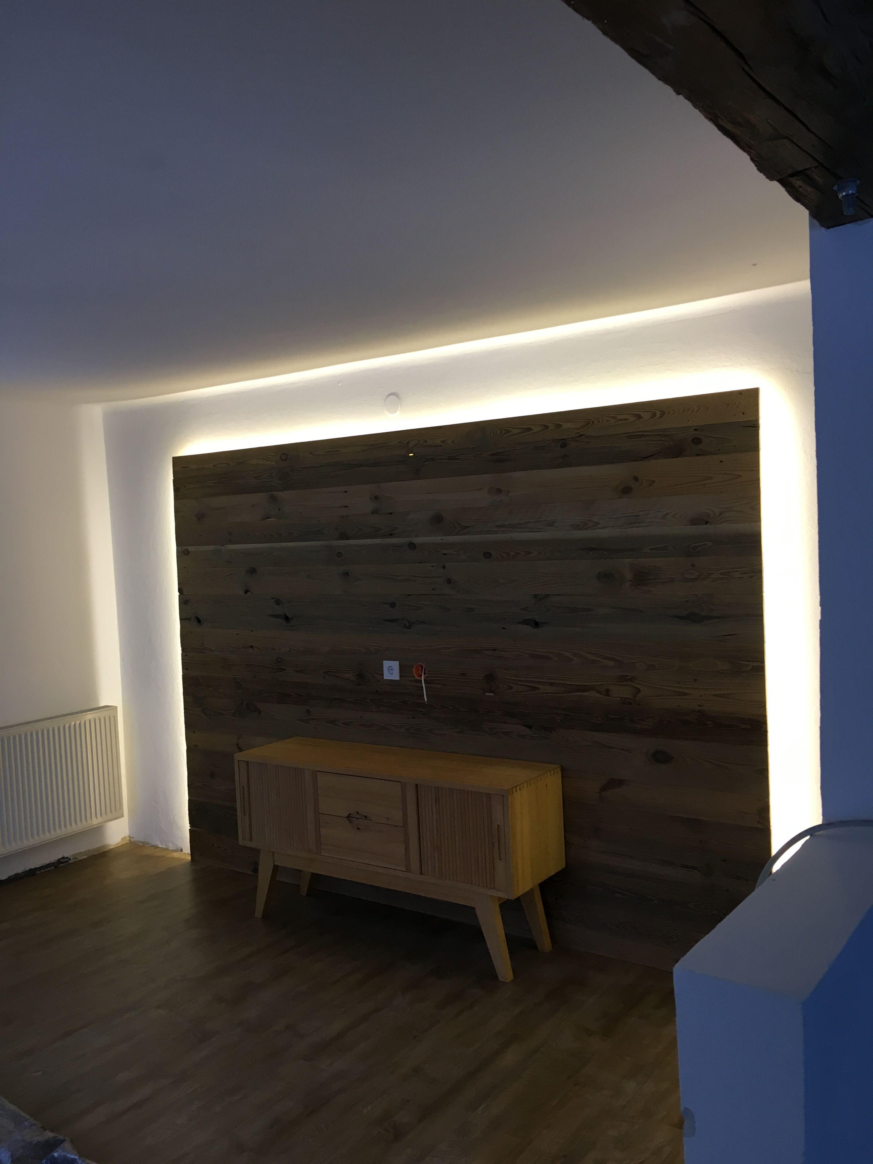 Altholzwand Mit Led Beleuchtung Altholz Wandverkleidung Altholz Wandverkleidung