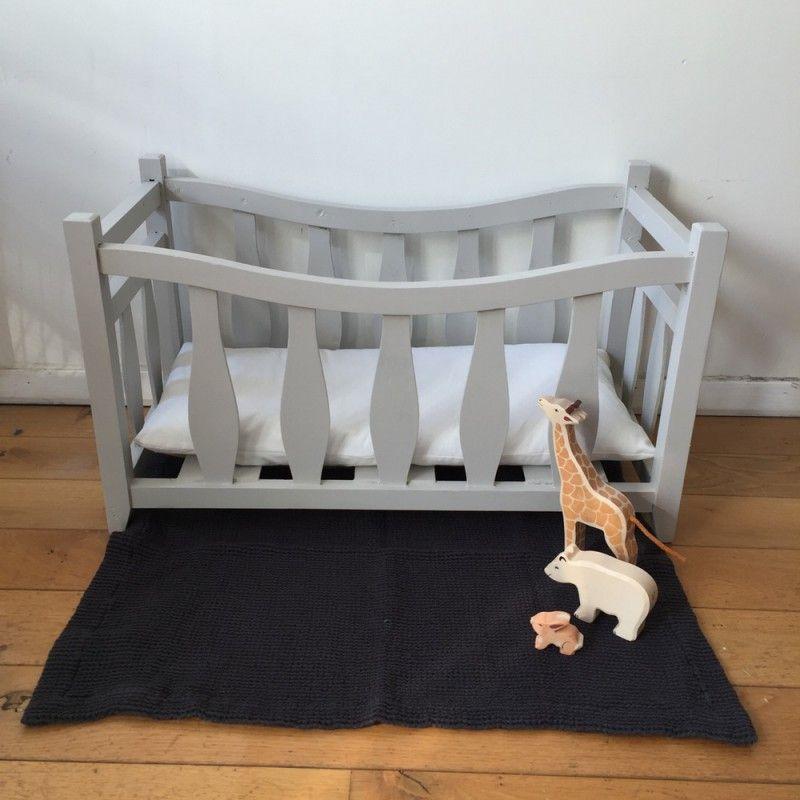 gallery of petit lit de poupe en bois lit bed poupe bb with lit roulotte vintage. Black Bedroom Furniture Sets. Home Design Ideas