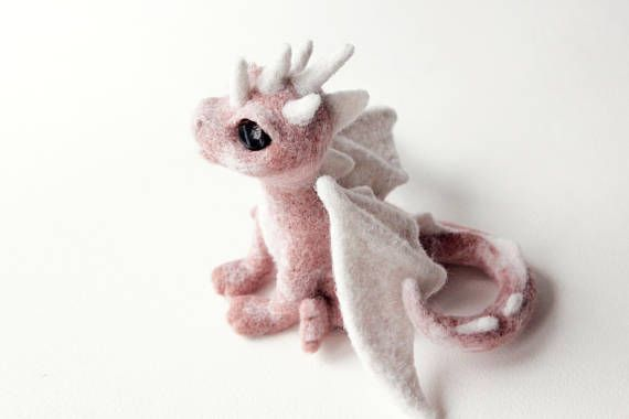 Needle felted dragon, game of thrones gift, felt dragon sculpture, fantasy creatures, birthday gift, cute home decor, fairy animal