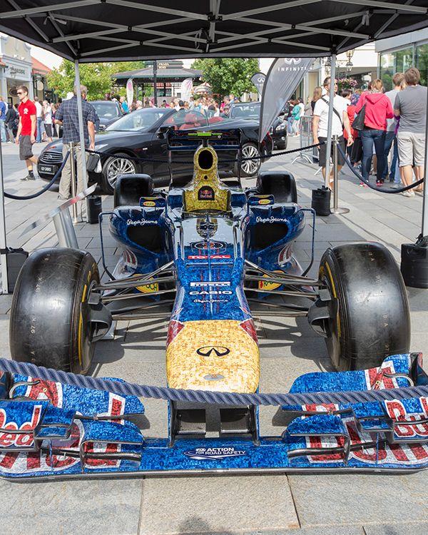 Sebastian Vettel's Formel 1 Auto von 2012 heute bei uns zu Besuch