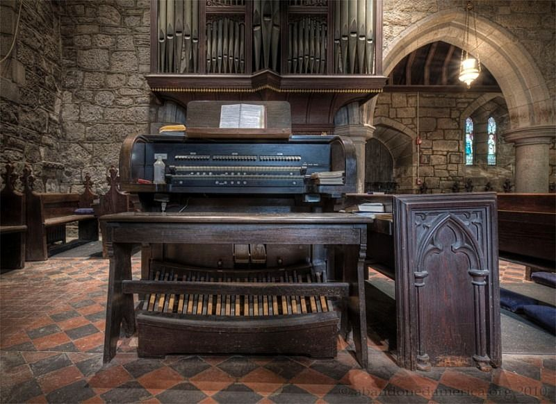 Abandoned church organ - Matthew Christopher's Abandoned America