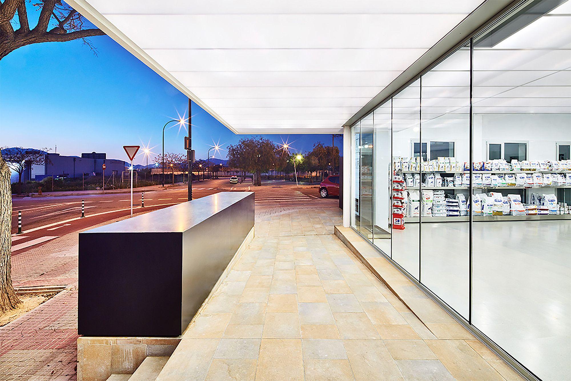 Gallery of Veterinary Hospital Canis Mallorca / Estudi E
