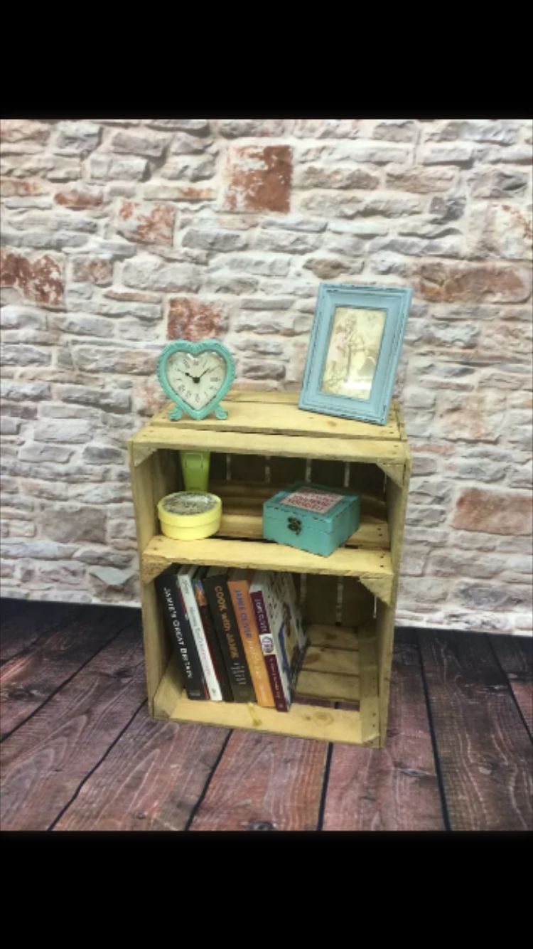 Love this idea, fix a couple of old apple crates together and voila!