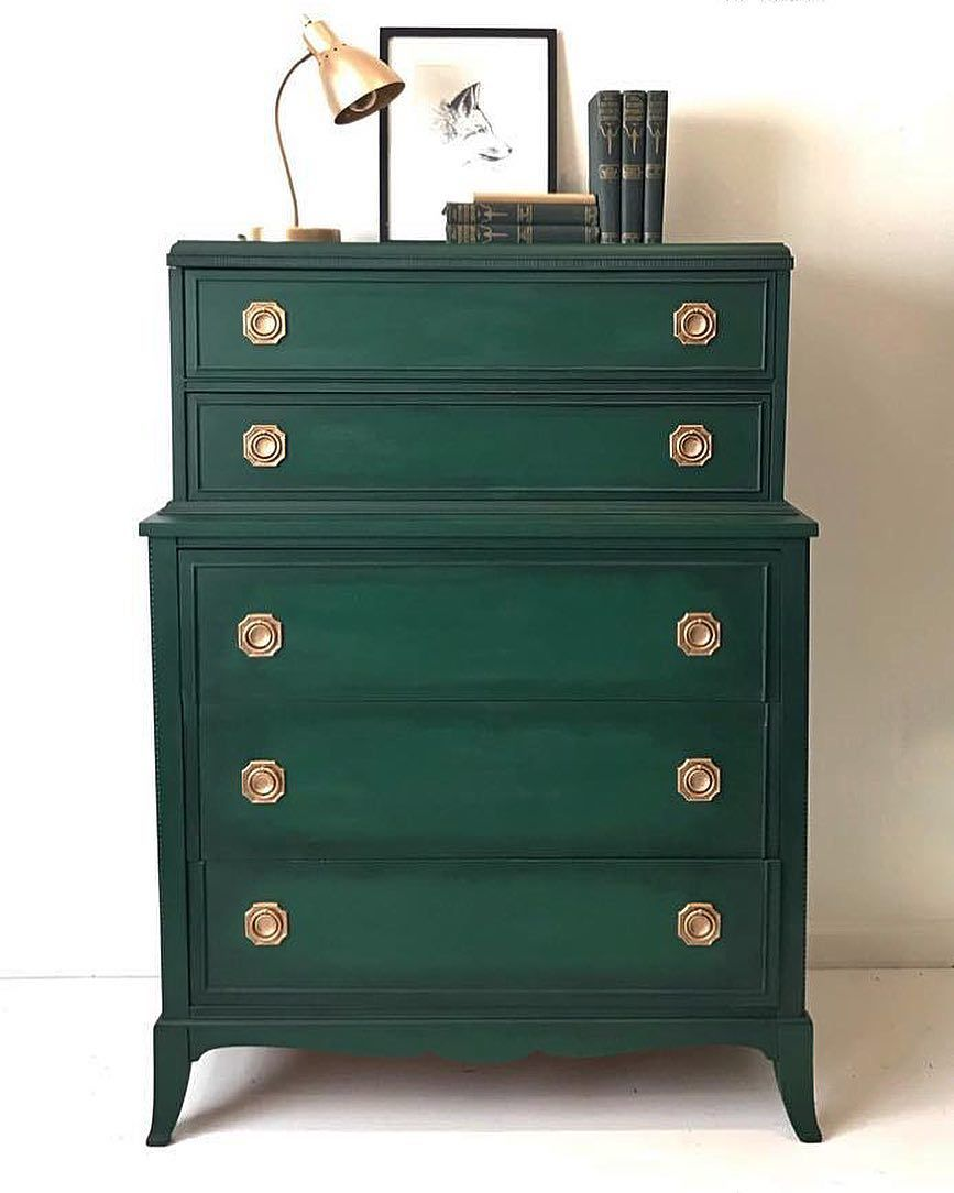 Chalk Paint By Annie Sloan In Amsterdam Green And Black Chalk Paint Wax Make A Stunning Combination F Diy Furniture Bedroom Painted Furniture Furniture Decor