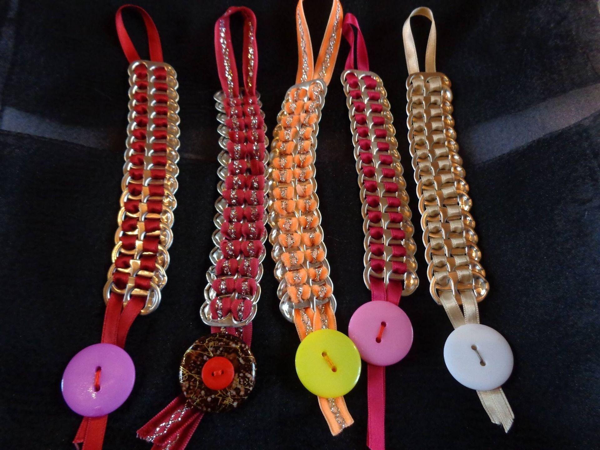 baskets plus récent mieux Bracelet recup réalisé avec rubans et capsules de canettes ...