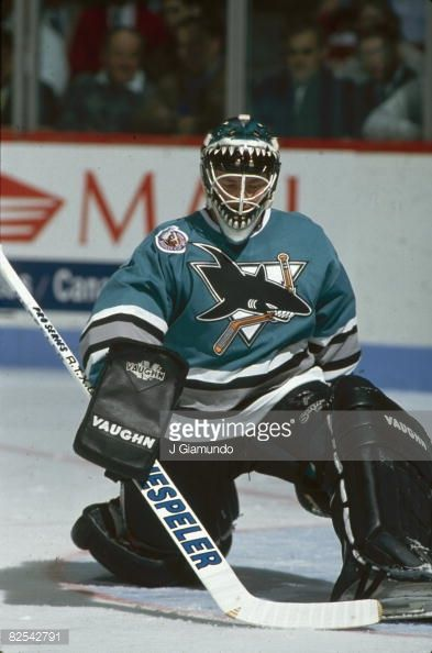 Canadian Ice Hockey Player Brian Hayward Goalkeeper For The San Jose Picture Id82542791 393 594 With Images Nhl Players Hockey Goalie Ice Hockey Players