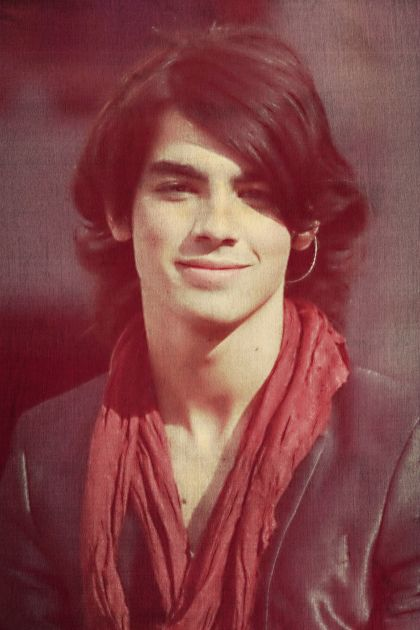 Top 10 Cool Hairstyles For Men With Straight Hair Joe Jonas Straight Hairstyles Cool Hairstyles For Men
