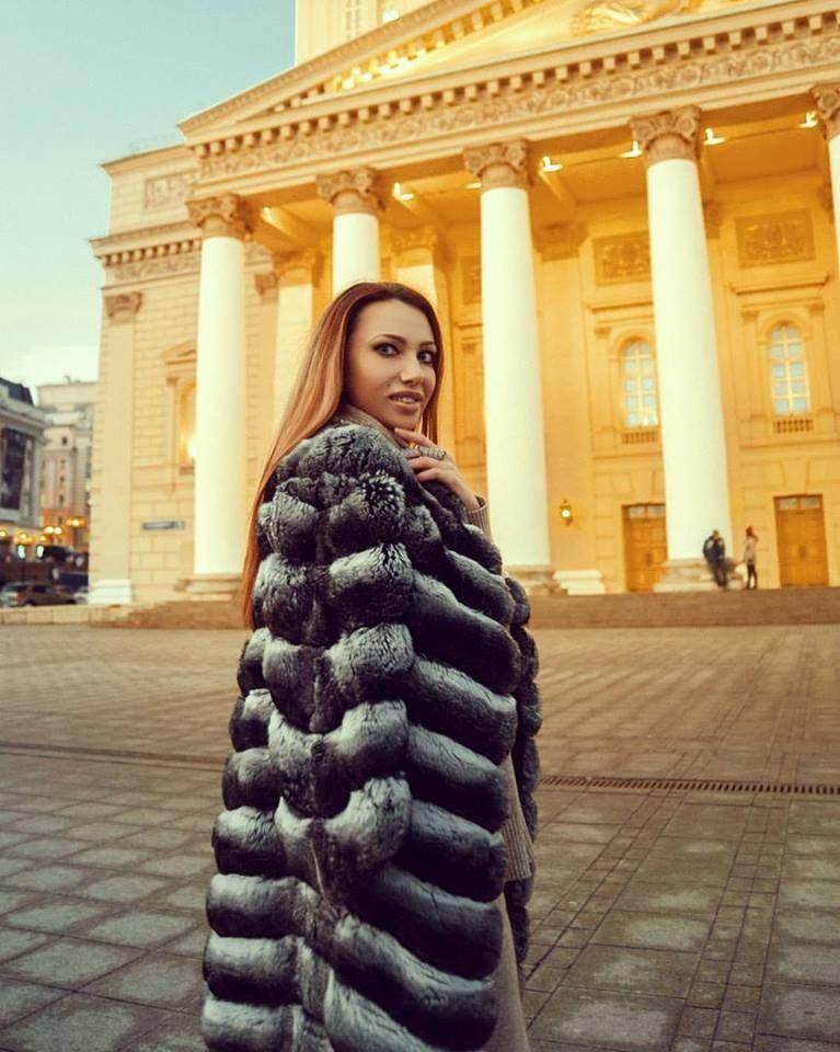 6bdfc04c7b Pin szerzője: Roxana Russo, közzétéve itt: Roxana wonderful fur world |  Fur, Chinchilla fur és Fur fashion