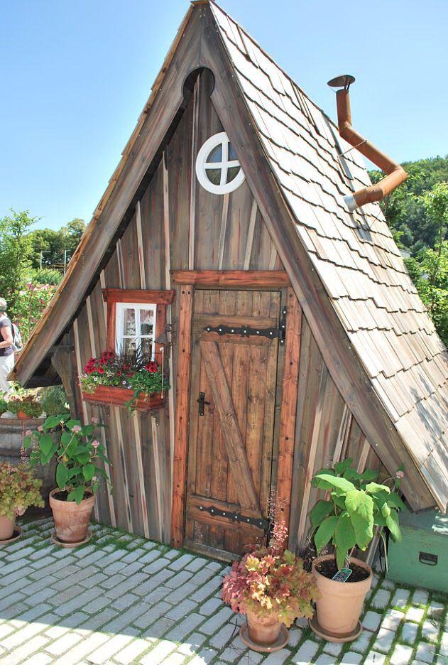 Hexenhäuschen Gartenhaus meiselbach märchenhaftes gartenhaus garten gewächs und
