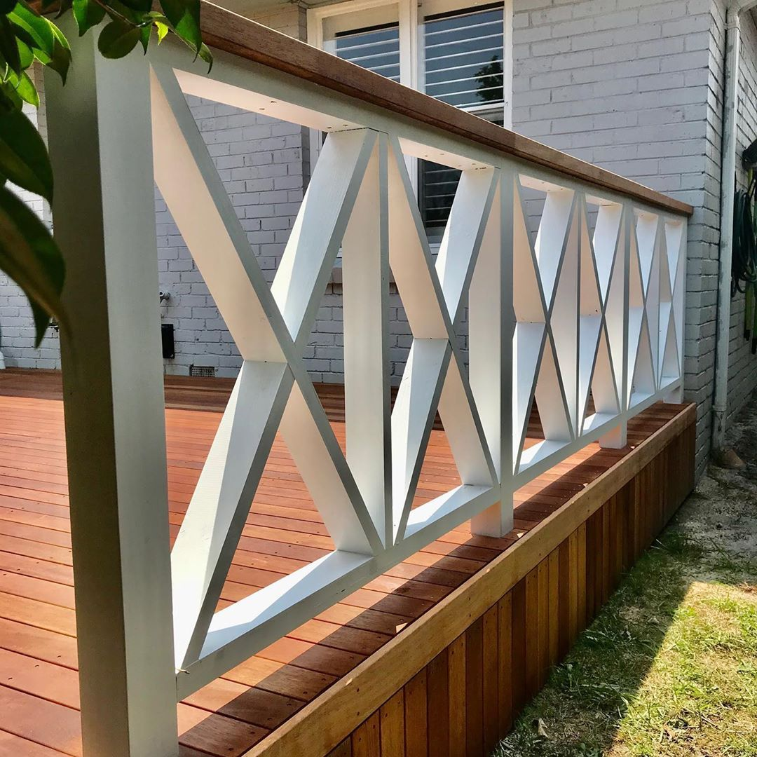 Some Open Criss Cross Railing Action Going On In 2020 Porch Railing Designs Deck Railing Design Cottage Outdoor