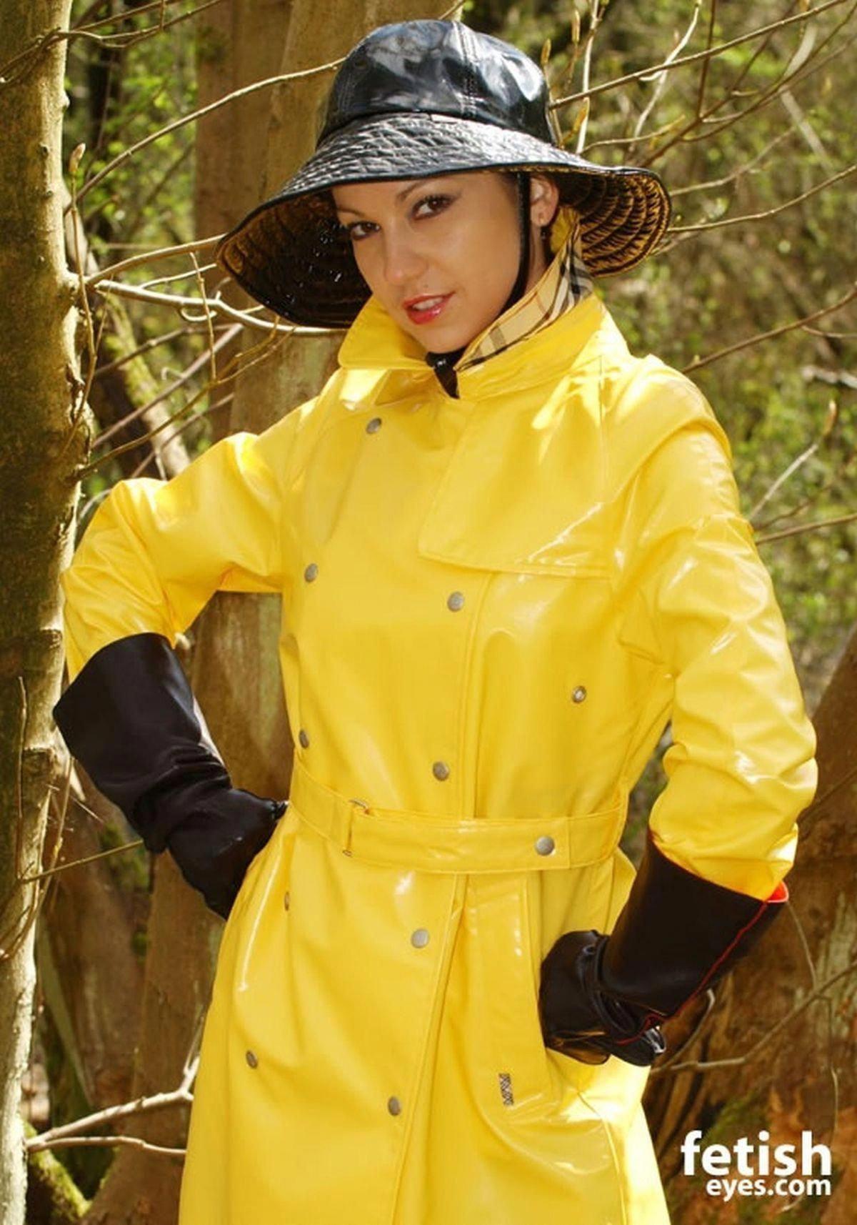 Alicia in red Vinyl 2 | Raincoats for women, Rainwear
