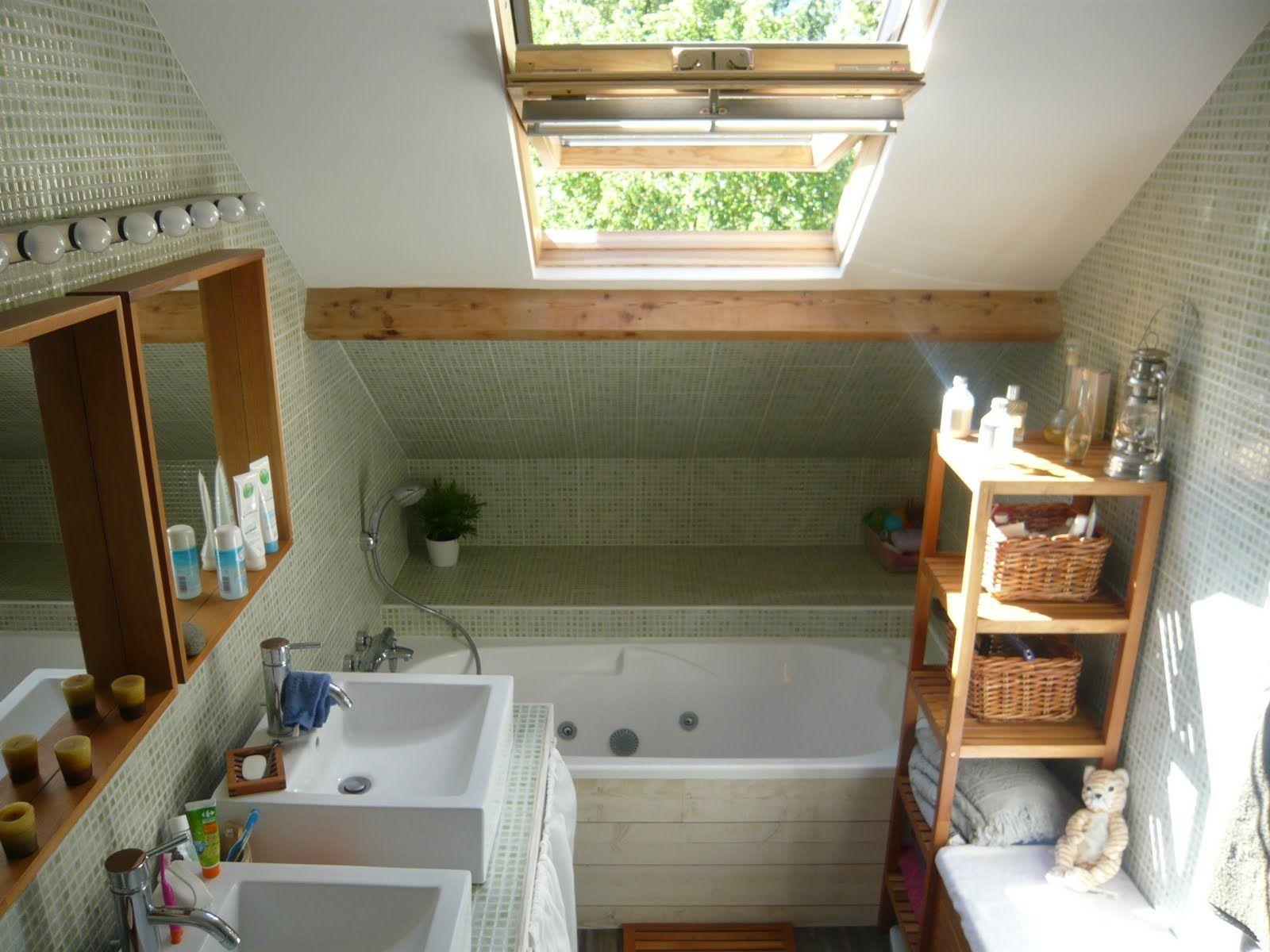Salle de bain sous les toits recherche google cocoon - Exemple de salle de bains sous comble ...