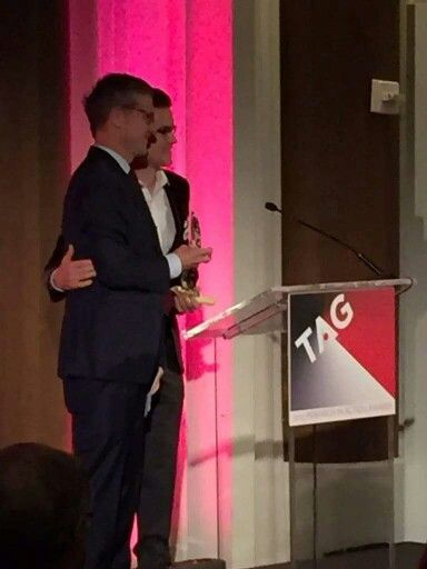 Matt and Simon receive an award