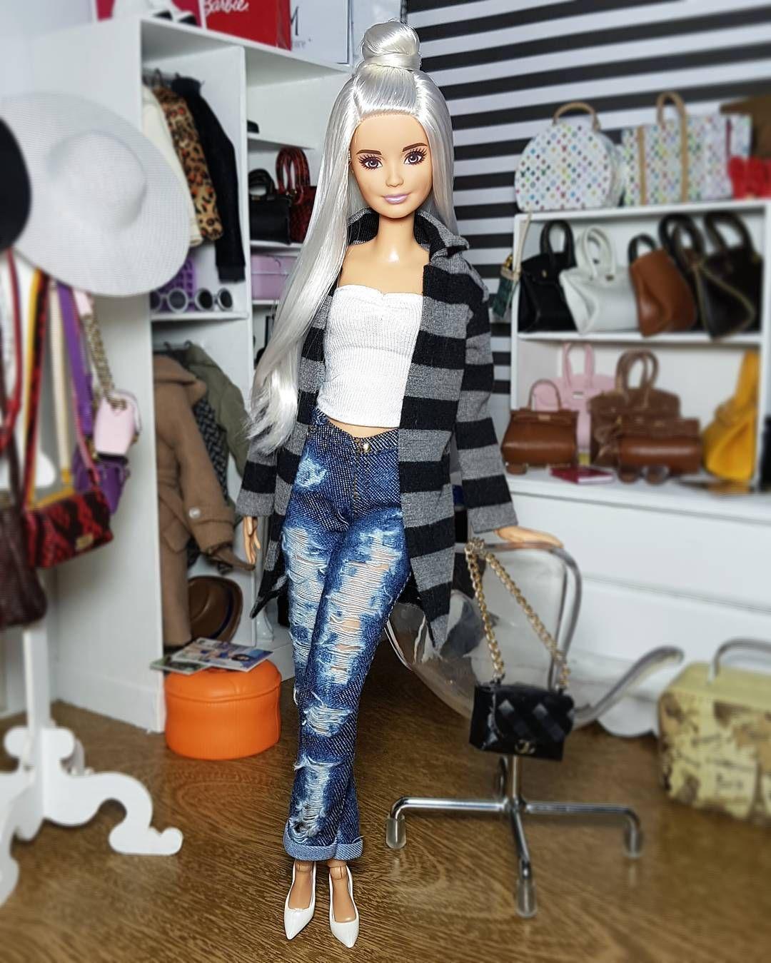 2,031 Gostos, 24 Comentários - Barbieswall (@barbieswall) no Instagram: look do dia! #Barbie #BarbieStyle #BarbieCollection #BarbieCollector #Doll #Dolls… #barbiefurniture
