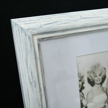 DIY – Making a new frame look old   DIY for the home   Pinterest ...