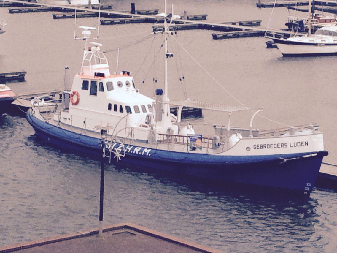 #Reitdiephaven, heeft vandaag een mooi en unieke passant gekregen in haar haven. Te weten de; Gebroeders Luden. http://facebook.com/watersport4all.nl