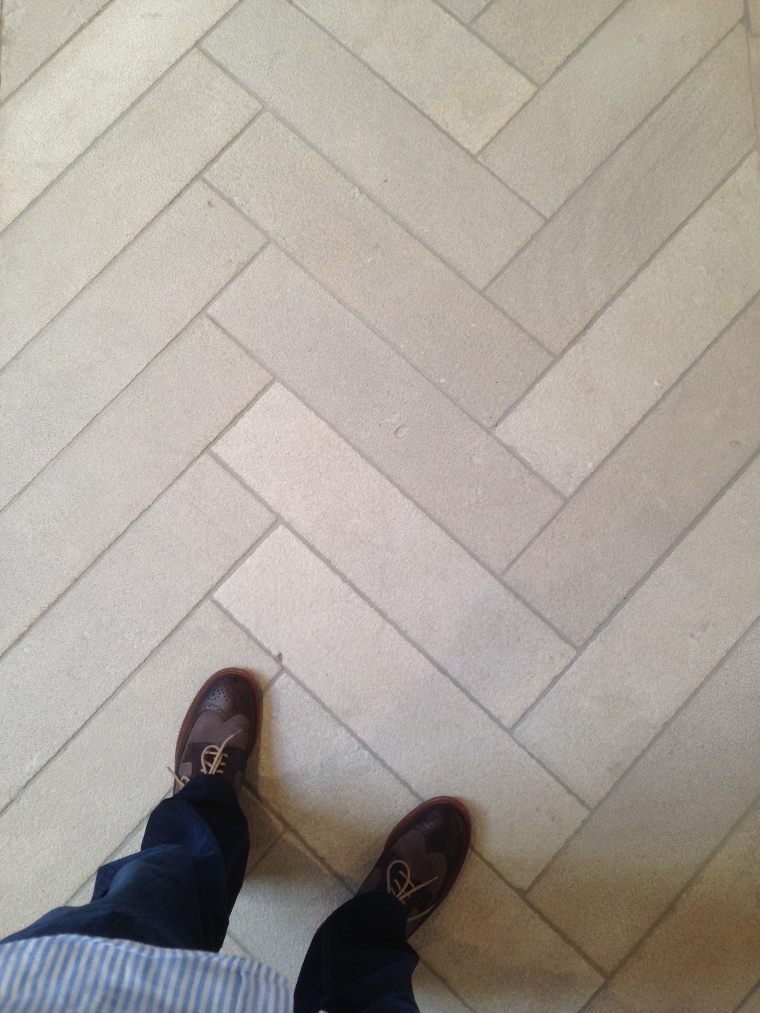 Iron Blasted Dalle De France Branly Limestone Floors In