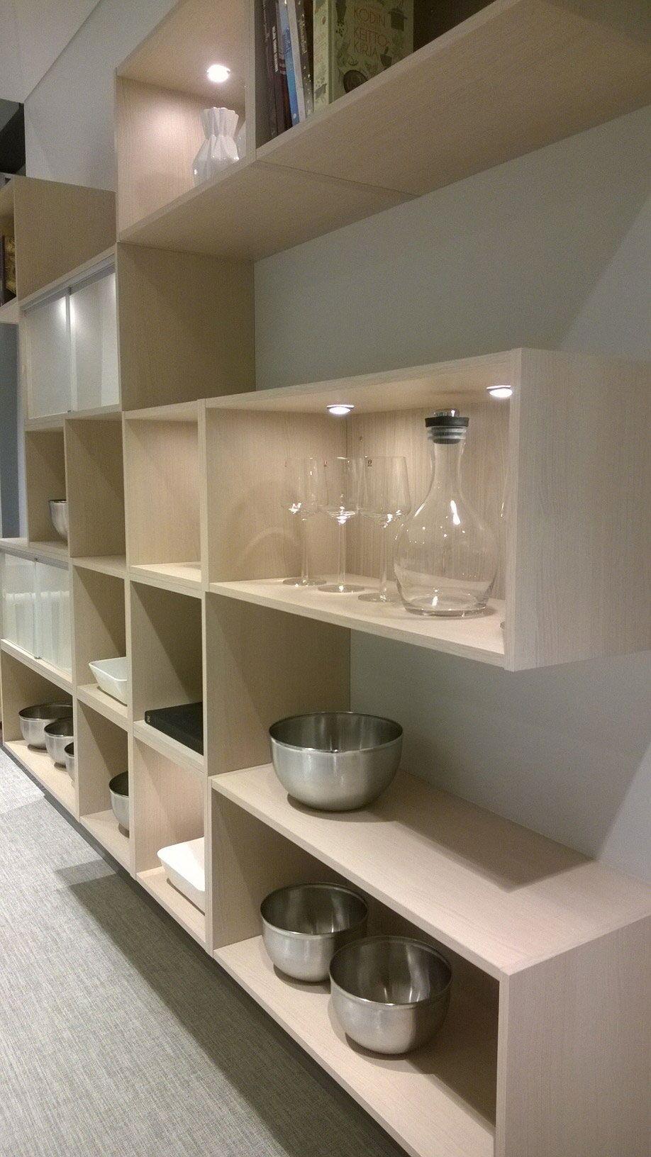 Trendikäs avohyllykkö | #keittiö #kitchen