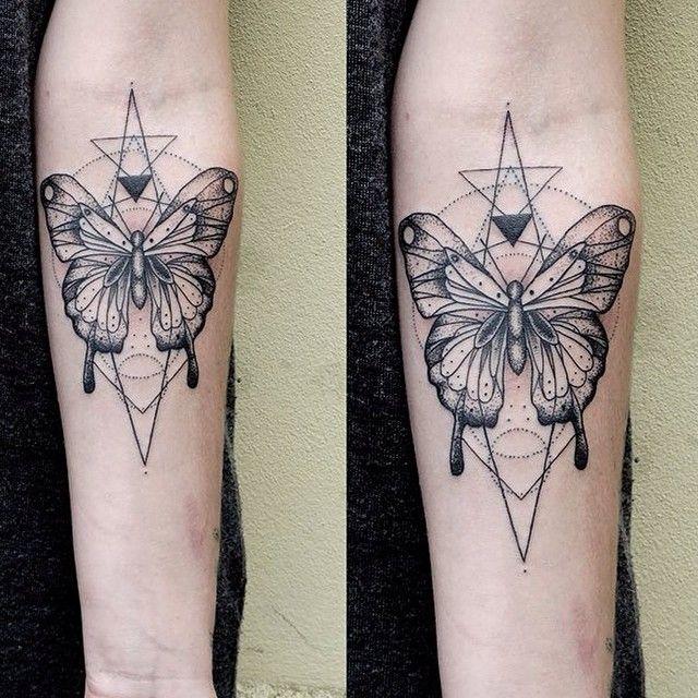 Butterfly Motyl Schmetterling Dot Dotwork Linework Tattoo Tatuaz Tatouage Berlin Berlintattoo Gloriousink Inked Ta2 Custom Illustration Art Tattoo Font For Men Tattoos New Tattoo Designs
