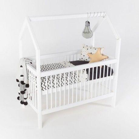 Babykamer Daan Baby Dump.Het Slaaphuisje Ledikant Dreamy Cloudy White Baby Baby In