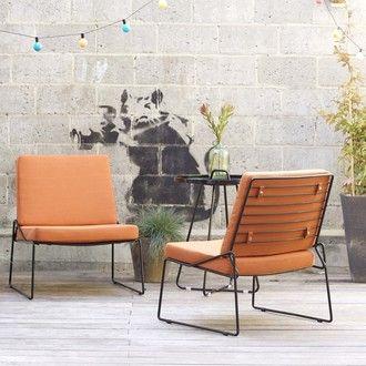 Fauteuil bas de jardin en métal noir et coussins Happy Orange ...