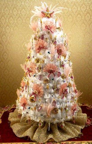 DOLLHOUSE CHRISTMAS TREES: Victorian christmas tree has over 300 ...
