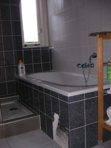 How To Cover Broken Discontinued Bathroom Tiles