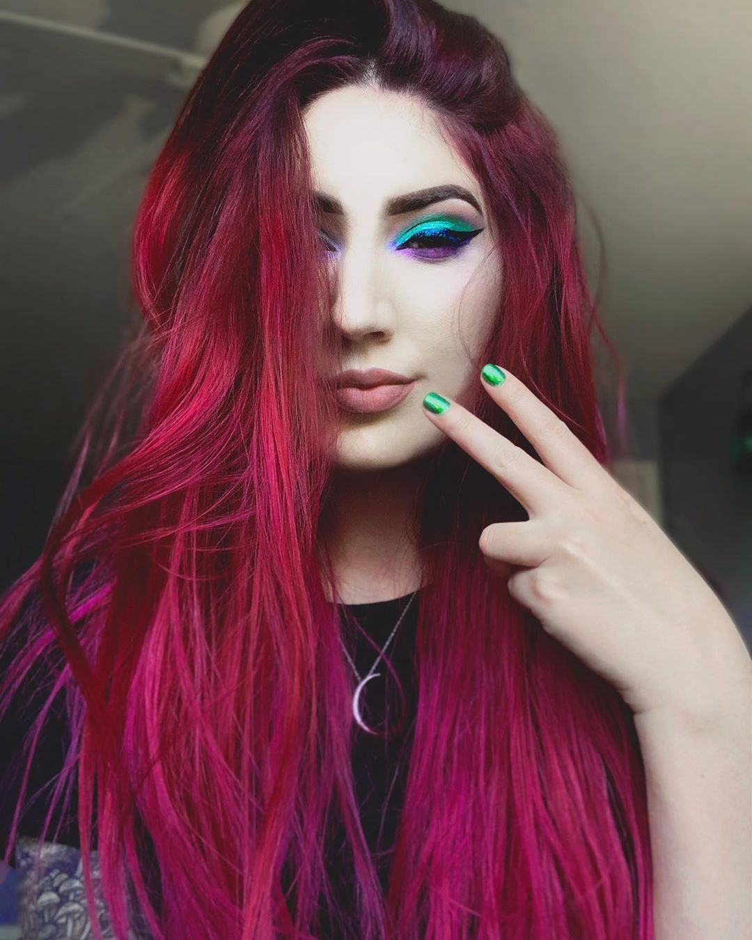 Arctic Fox Hair Color Kayladaniellea Really Feeling This Arcticfoxhaircolor Mash Up Of Shades Virgin Pink A Fox Hair Dye Hair Inspiration Color Hot Pink Hair