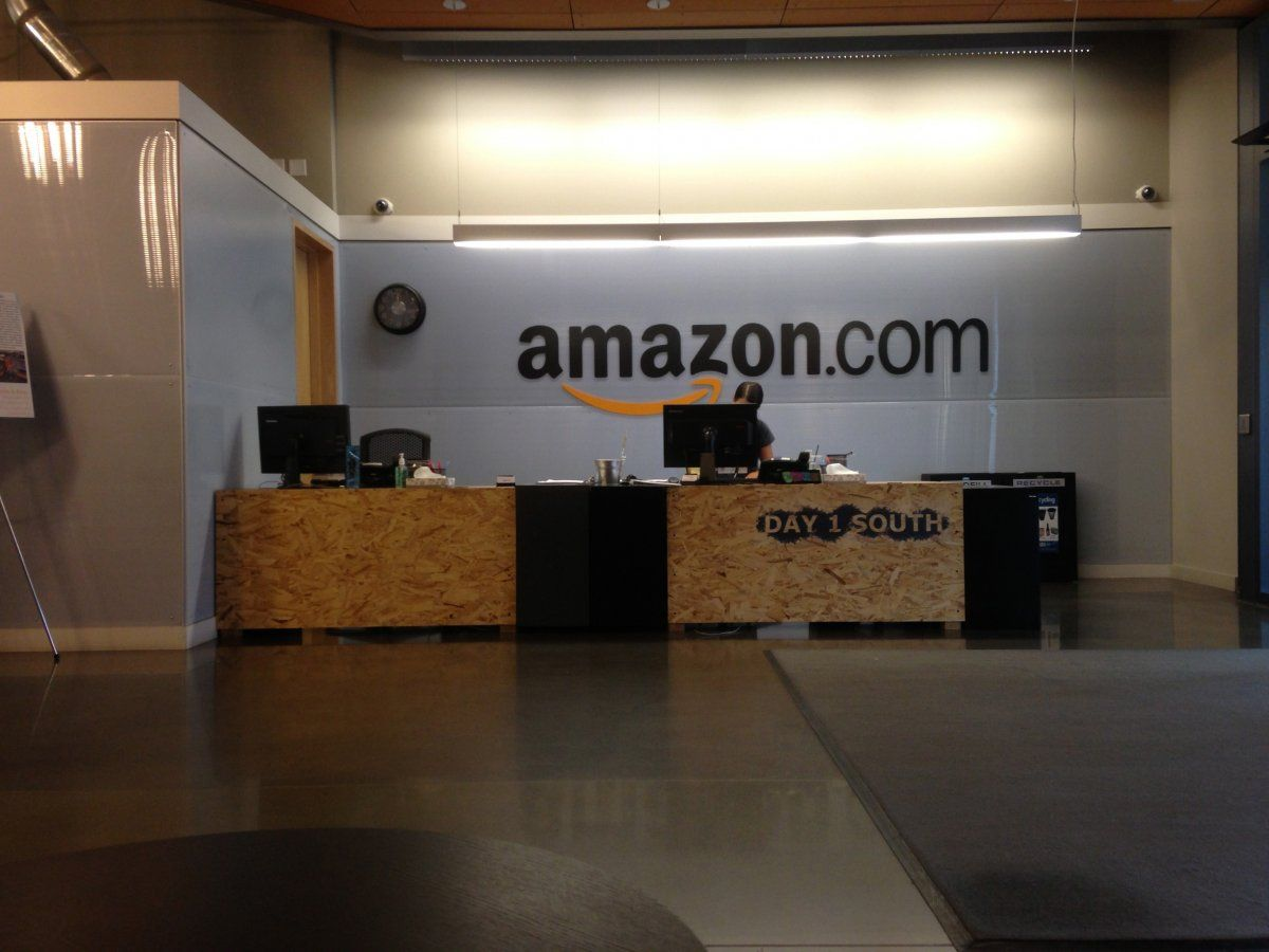 What It S Like Walking Around Amazon S Massive Offices In Seattle