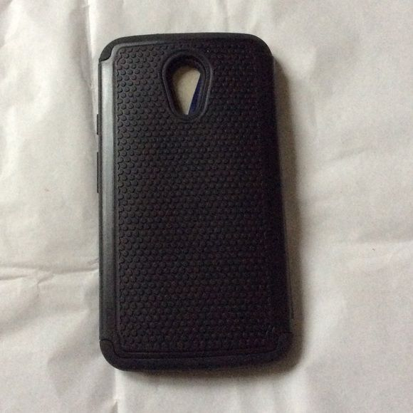 Moto G 2nd Generation Black Phone Case New Moto G2.. Plus more listed it fits in photo above also.. New never used black heavy rubber case.. Which is a great protection for your phone Lightning knight Accessories Phone Cases