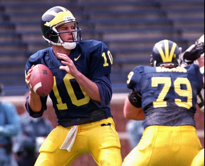 Tom Brady Went Back To Michigan And Wore His Old Jersey Nfl Highlights Michigan Wolverines Football Tom Brady