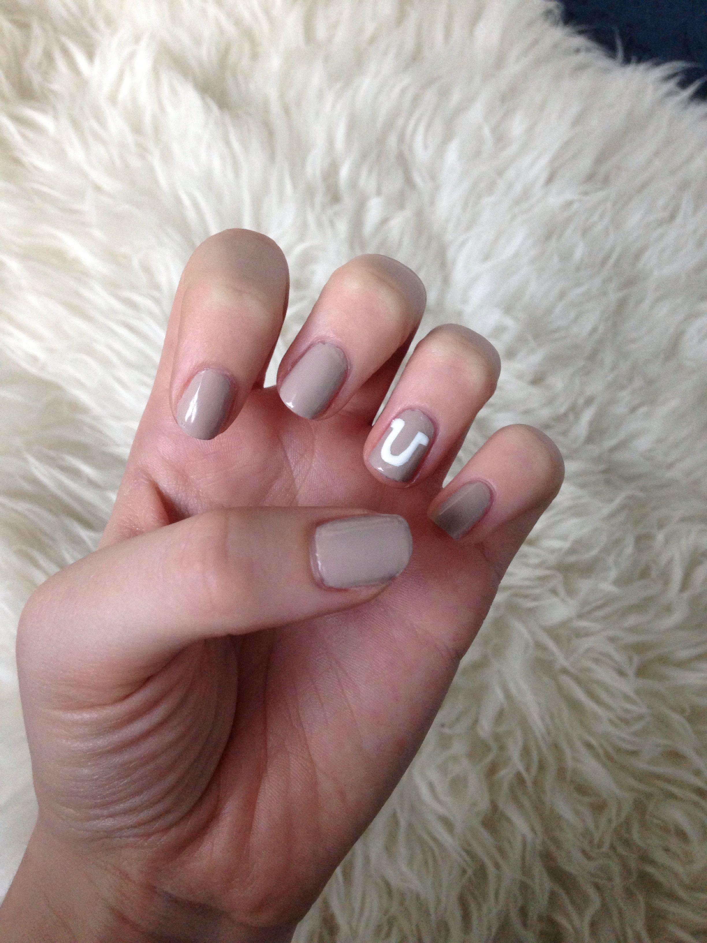 My Simple Horse Shoe Nail Design Bridgette Ferran How Do U Like Horse Nails Country Nails Nail Designs