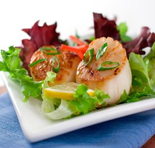 pan-seared-scallops-in-a-dill-sauce-and-peach