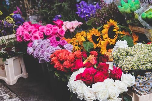 اجمل بوكيه ورد طبيعي صور اجمل بوكيه ورد طبيعي جميل Zina Blog Garden Design Flower Bed Planner Small City Garden